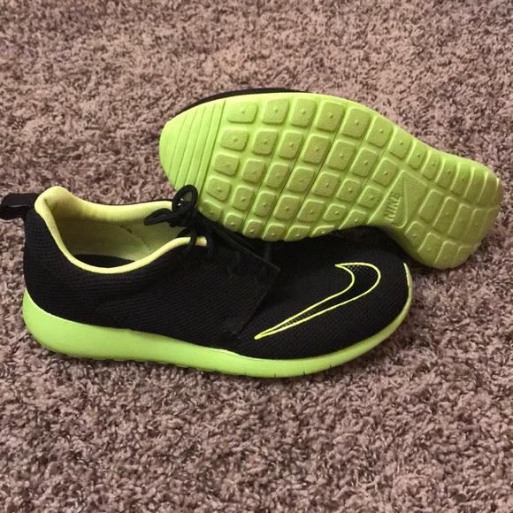 Neon Greenblack Nike Tennis Shoes